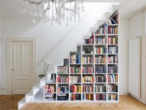 Встроенный шкаф под лестницу №4